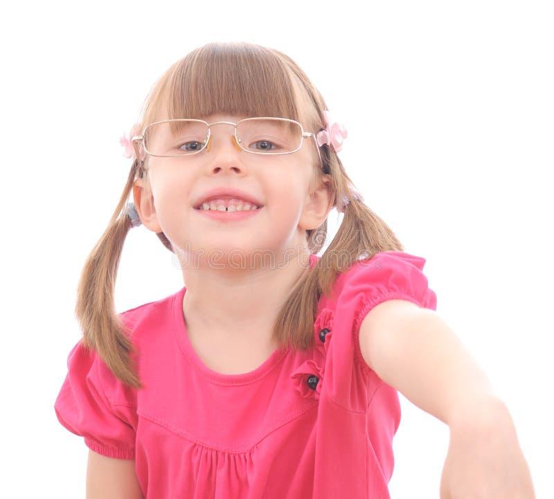 Μικρό κορίτσι στο άσπρο υπόβαθρο στοκ φωτογραφίες με δικαίωμα ελεύθερης χρήσης