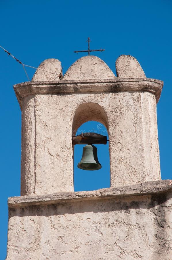 Μικρό κουδούνι εκκλησιών με το ιερό στρέμμα στοκ εικόνες