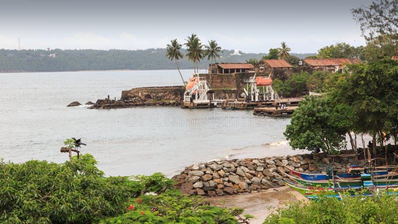 Μικρό λιμάνι στον κόλπο Galle δίπλα στο οχυρό - Σρι Λάνκα στοκ εικόνες