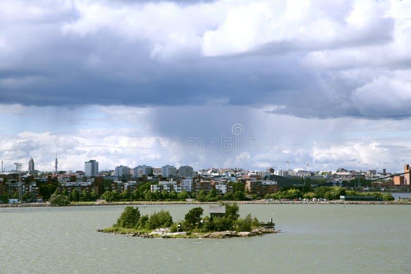 Μικρό νησί κατοίκισης κοντά στο λιμένα του Τουρκού στοκ εικόνες