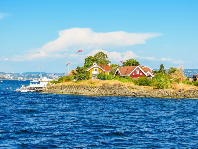 Μικρό νησί στο φιορδ του Όσλο, Νορβηγία στοκ εικόνες