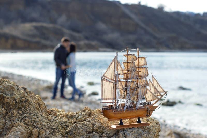 Μικρό ξύλινο sailboat στοκ φωτογραφίες με δικαίωμα ελεύθερης χρήσης