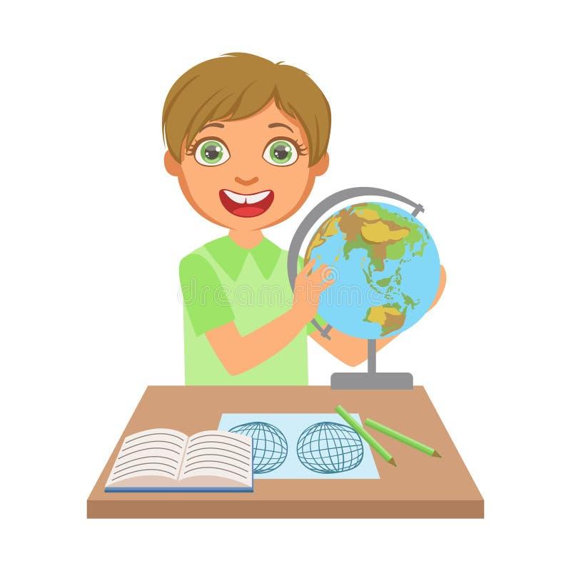 Μικρό παιδί που μελετά τη γεωγραφία με τη σφαίρα στον πίνακα μελέτης, ένας ζωηρόχρωμος χαρακτήρας ελεύθερη απεικόνιση δικαιώματος