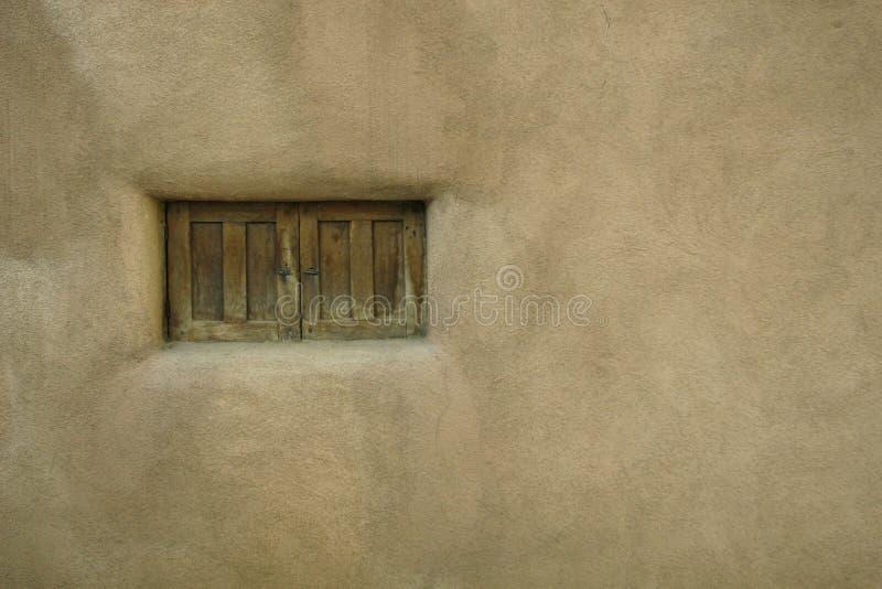 μικρό παράθυρο ύφους pueblo στοκ εικόνα