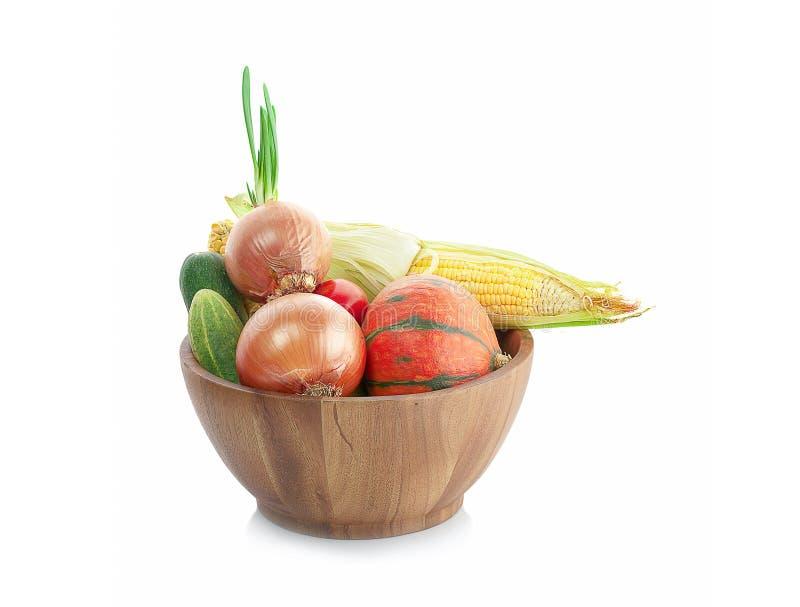 Μικτά λαχανικά που απομονώνει στο άσπρο υπόβαθρο στοκ εικόνα