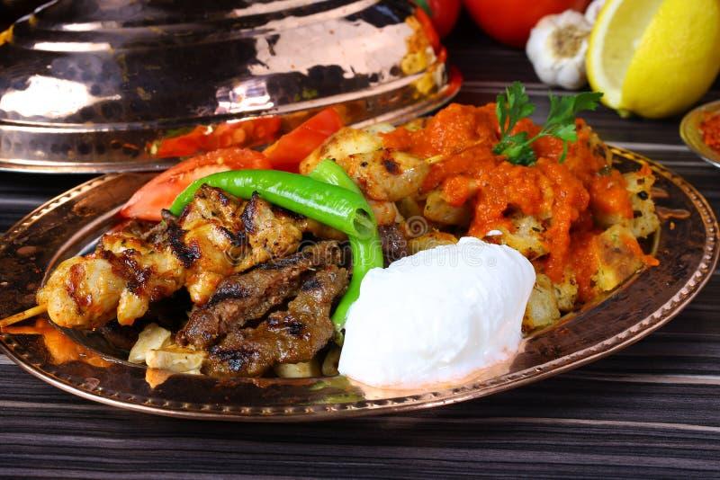 Μικτό τουρκικό kebab στοκ φωτογραφία με δικαίωμα ελεύθερης χρήσης