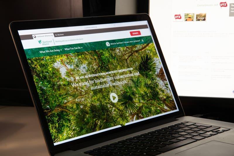 Μιλάνο, Ιταλία - 15 Αυγούστου 2018: Ιστοχώρος ΜΚΟ συμμαχίας τροπικών δασών στοκ φωτογραφία με δικαίωμα ελεύθερης χρήσης
