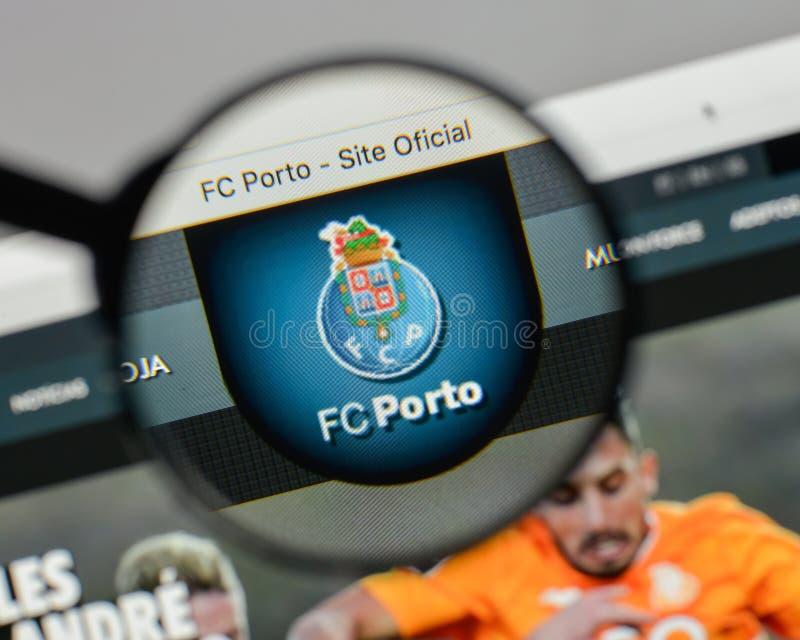 Μιλάνο, Ιταλία - 10 Αυγούστου 2017: FC λογότυπο του Πόρτο στον ιστοχώρο hom στοκ εικόνες