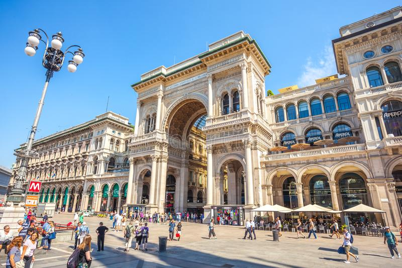 Μιλάνο, Ιταλία - 25 06 2018: Είσοδος σε Galleria Vittorio Emanuel στοκ φωτογραφία με δικαίωμα ελεύθερης χρήσης