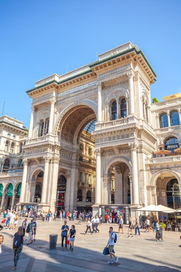 Μιλάνο, Ιταλία - 25 06 2018: Είσοδος σε Galleria Vittorio Emanuel στοκ εικόνες