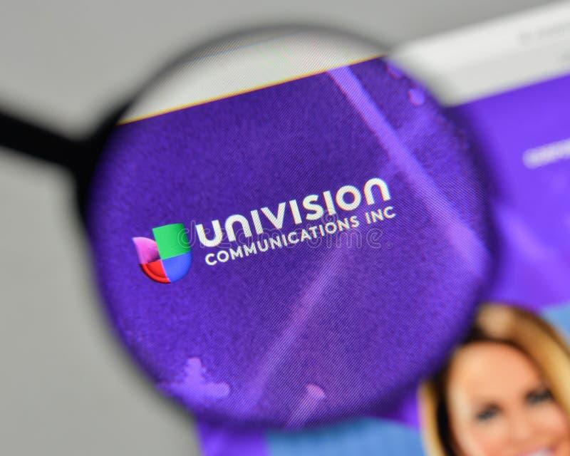 Μιλάνο, Ιταλία - 1 Νοεμβρίου 2017: Λογότυπο ο επικοινωνιών Univision στοκ εικόνα