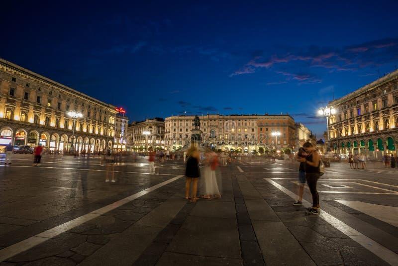 Μιλάνο, Ιταλία - 14 08 2018: Vittorio Emanuele ΙΙ στοά Piazza del Duomo στο Μιλάνο τη νύχτα στοκ φωτογραφίες με δικαίωμα ελεύθερης χρήσης
