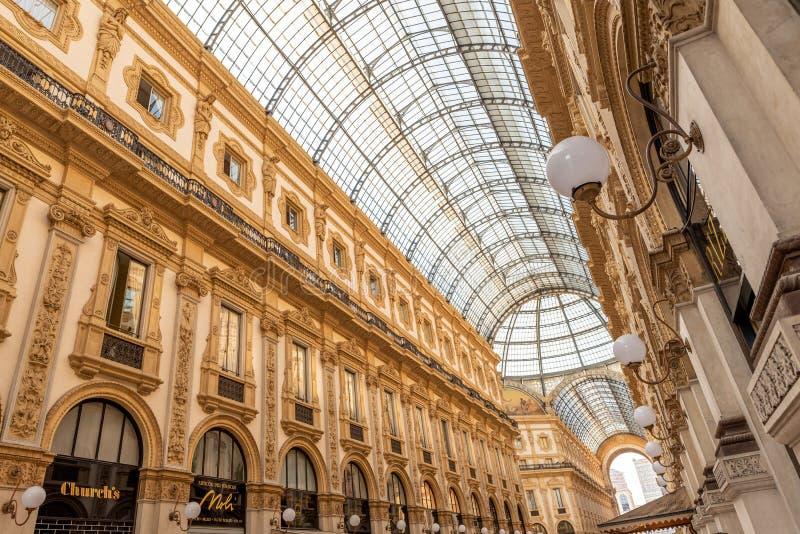 ΜΙΛΑΝΟ, ΙΤΑΛΙΑ - 21 Ιουνίου 2018: Galleria Vittorio Emanuele ΙΙ στο Μιλάνο Αυτό είναι μια από τις λεωφόρους παγκόσμιων ` s παλαιό στοκ φωτογραφίες με δικαίωμα ελεύθερης χρήσης