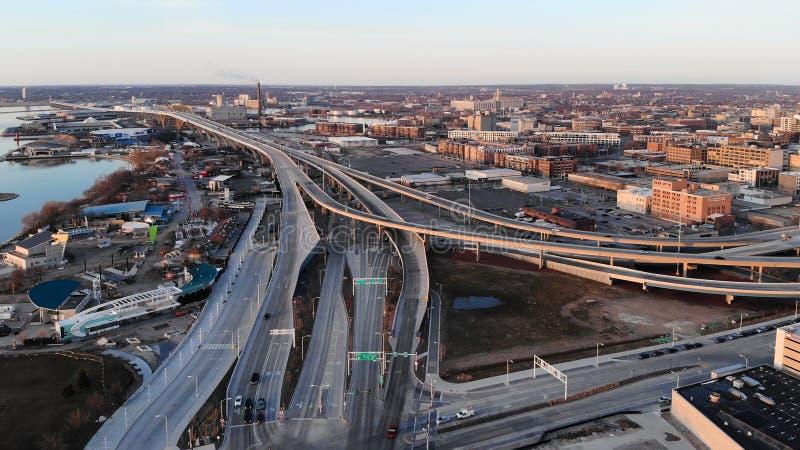 ΜΙΛΓΟΥΩΚΙ, ΗΠΑ - 26 ΑΠΡΙΛΊΟΥ 2018: Εναέρια άποψη της αμερικανικής πόλης α στοκ εικόνες