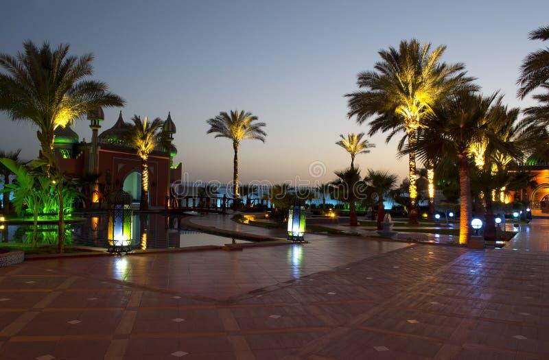 Μιναρές νύχτας στη Leila wa Leila στοκ εικόνες