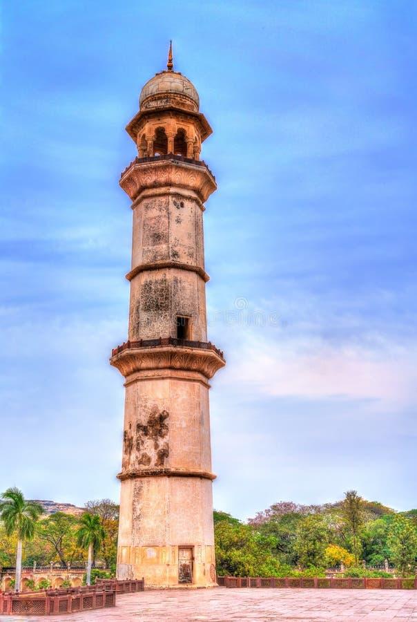 Μιναρές στον τάφο Κα Maqbara Bibi, επίσης γνωστό ως μίνι Taj Mahal Aurangabad, Ινδία στοκ εικόνα με δικαίωμα ελεύθερης χρήσης