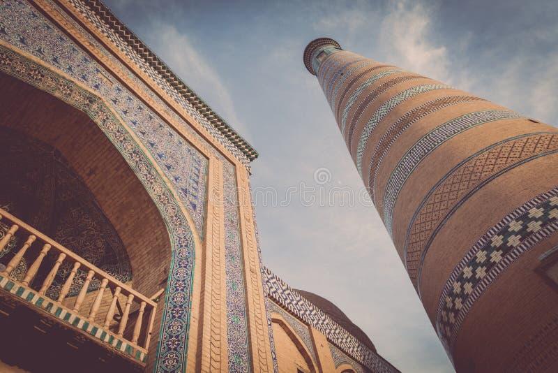 Μιναρές Khoja Ισλάμ σε Khiva στοκ εικόνες