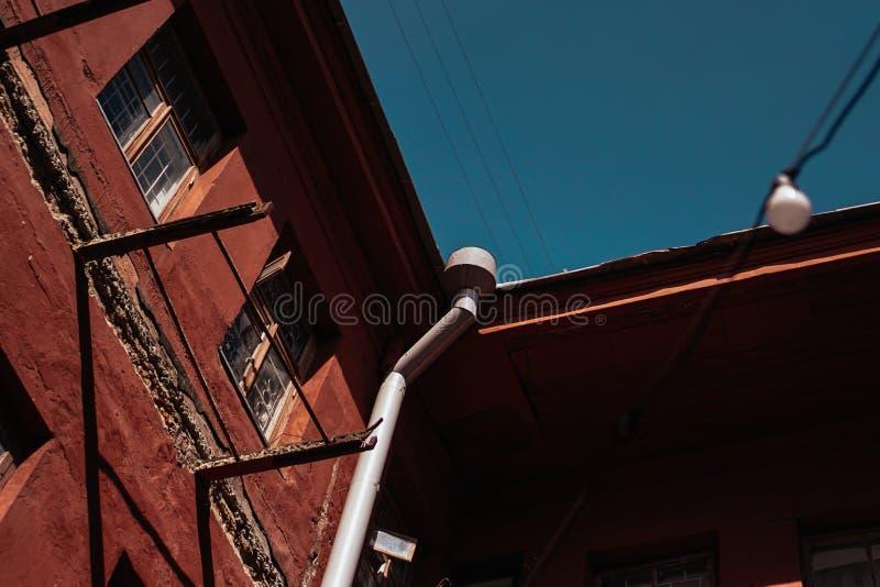 ΜΙΝΣΚ, ΛΕΥΚΟΡΩΣΙΚΟ κόκκινο ναυπηγείο - προαύλιο-καλά στο Μινσκ, θέση της υποομάδας νεολαίας στοκ εικόνες