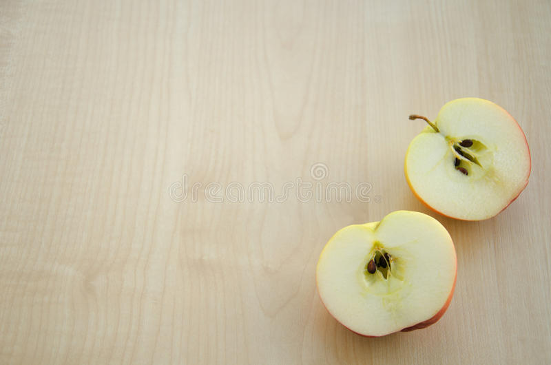 μισά δύο μήλων στοκ φωτογραφία