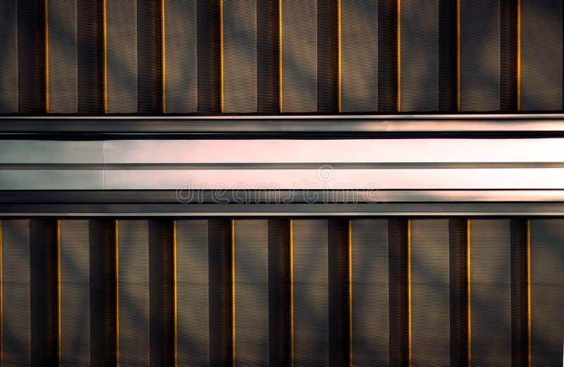 Μισή κυλιόμενη σκάλα με τη σκιά ήλιων, τοπ άποψη στοκ φωτογραφία με δικαίωμα ελεύθερης χρήσης
