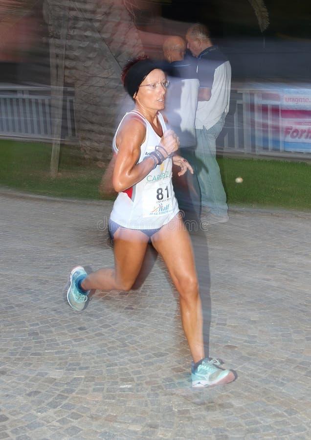 Μισός μαραθώνιος Arenzano, στις 7 Σεπτεμβρίου 2018: μερικοί από τους αθλητές δέσμευσαν κατά τη διάρκεια του αγώνα στοκ εικόνα με δικαίωμα ελεύθερης χρήσης