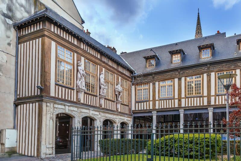 Μισό-εφοδιασμένο με ξύλα σπίτι στο Ρουέν, Γαλλία στοκ εικόνα