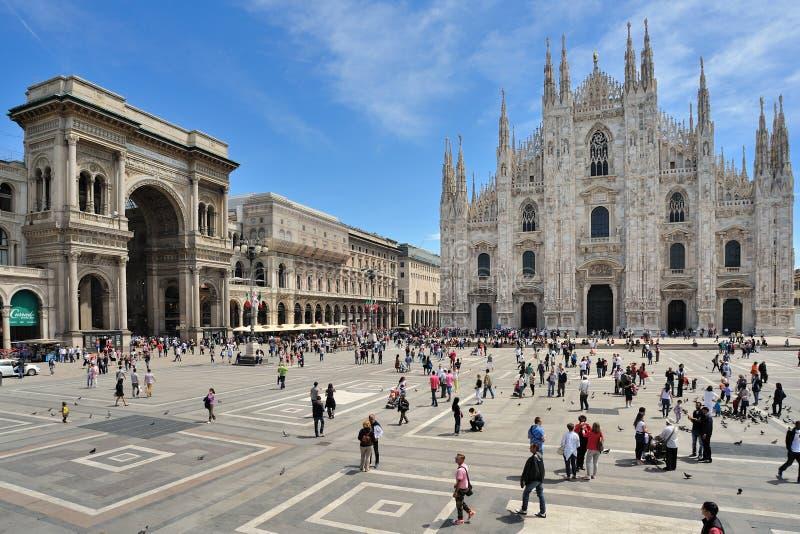 Μιλάνο, Ιταλία, πλατεία Duomo πλατειών και Galleria Vittorio Emanuele στοκ εικόνα