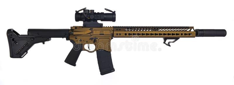 Μμένος χαλκός AR15 με το suppresor και το 30rd MAG στοκ φωτογραφία με δικαίωμα ελεύθερης χρήσης