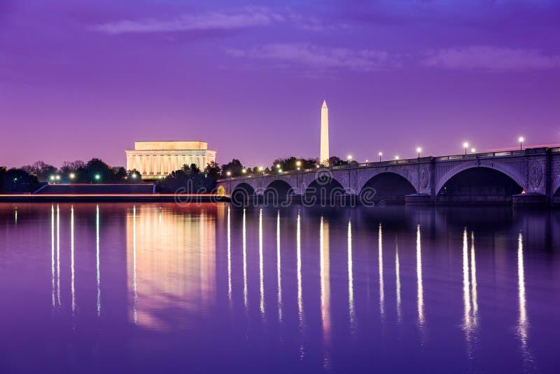 Μνημεία του Washington DC Potomac στοκ εικόνα με δικαίωμα ελεύθερης χρήσης