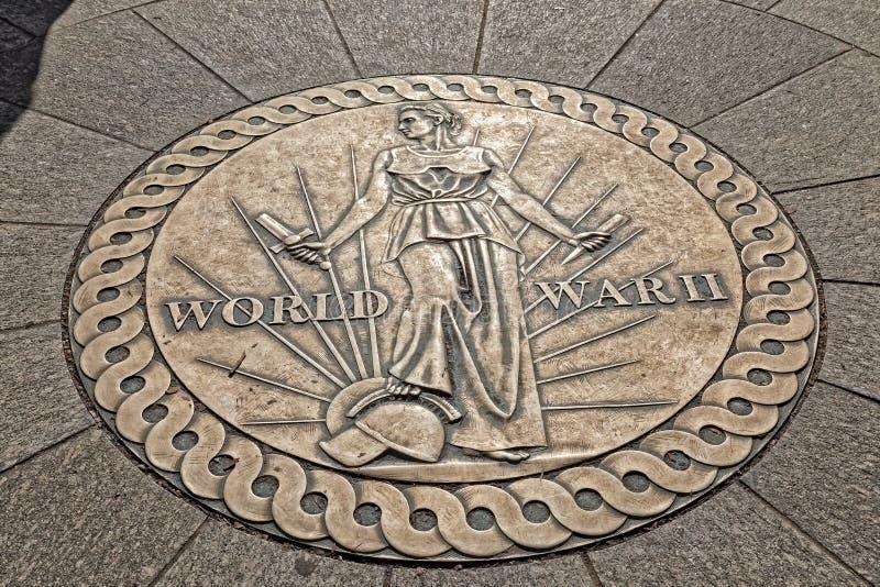 Μνημείο Δεύτερου Παγκόσμιου Πολέμου σχεδίου μεταλλίων νίκης στο Washington DC στοκ εικόνα