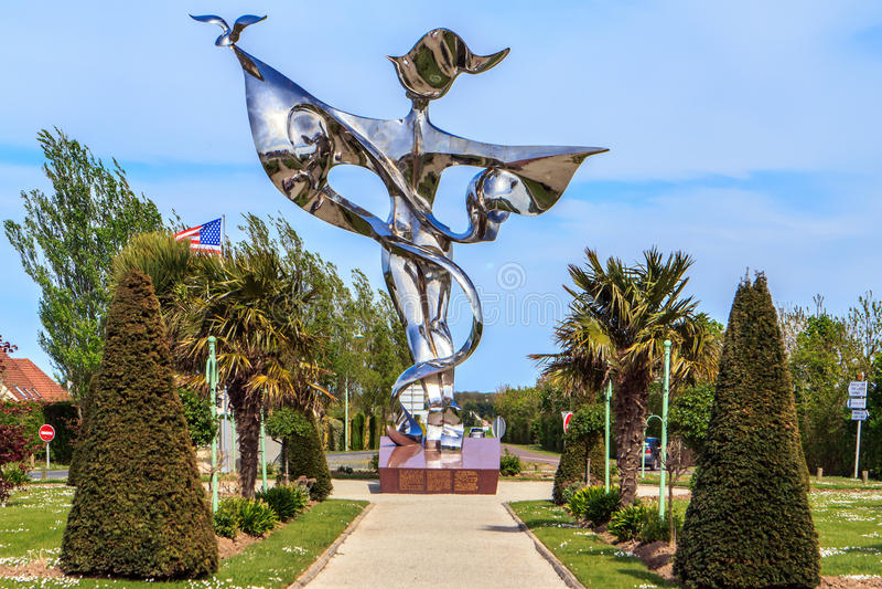 Μνημείο ειρήνης στην grandcamp-Maisy, Νορμανδία, Γαλλία στοκ φωτογραφία με δικαίωμα ελεύθερης χρήσης