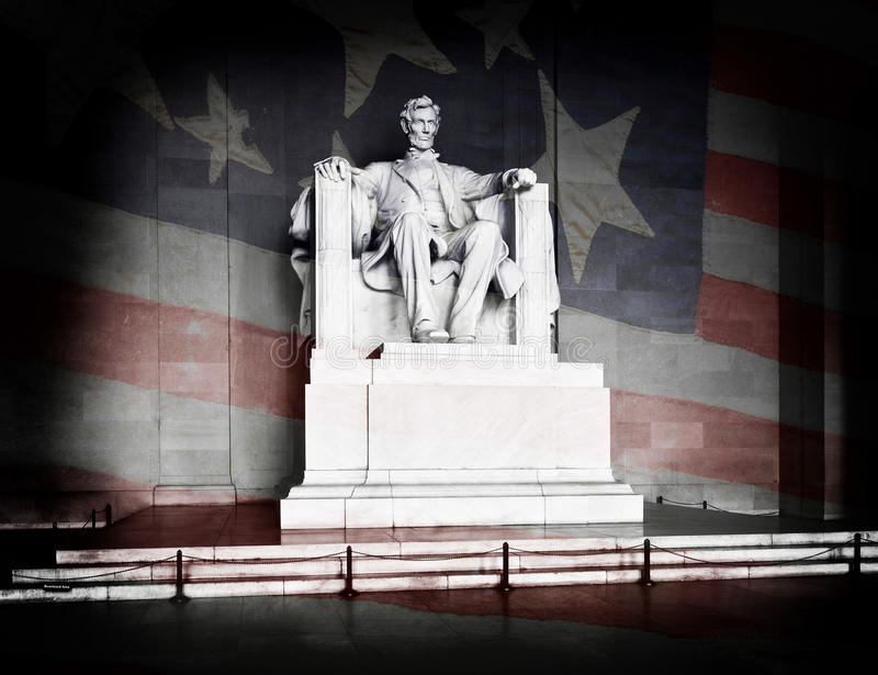 Μνημείο και αμερικανική σημαία του Λίνκολν στοκ φωτογραφία με δικαίωμα ελεύθερης χρήσης