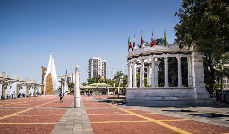 Μνημείο Λα Rotonda σε Malecon Simon Bolivar Guayaquil στοκ φωτογραφία με δικαίωμα ελεύθερης χρήσης