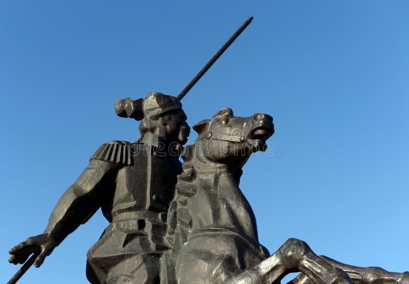 Μνημείο σε Yakov Baklanov, ρωσικός ο γενικός, ο ήρωας του καυκάσιου πολέμου στο ανάχωμα του Κόλπου της θάλασσας Tsimlyansk μέσα στοκ εικόνες
