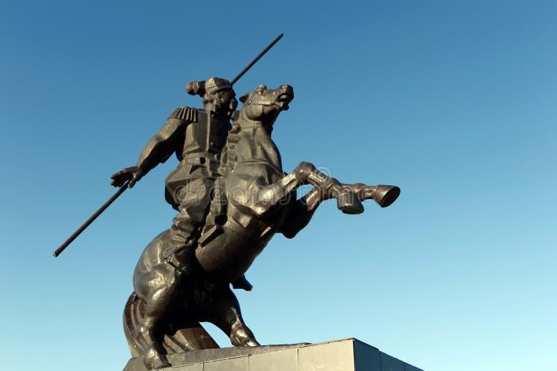 Μνημείο σε Yakov Baklanov, ρωσικός ο γενικός, ο ήρωας του καυκάσιου πολέμου στο ανάχωμα του Κόλπου της θάλασσας Tsimlyansk μέσα στοκ εικόνες με δικαίωμα ελεύθερης χρήσης