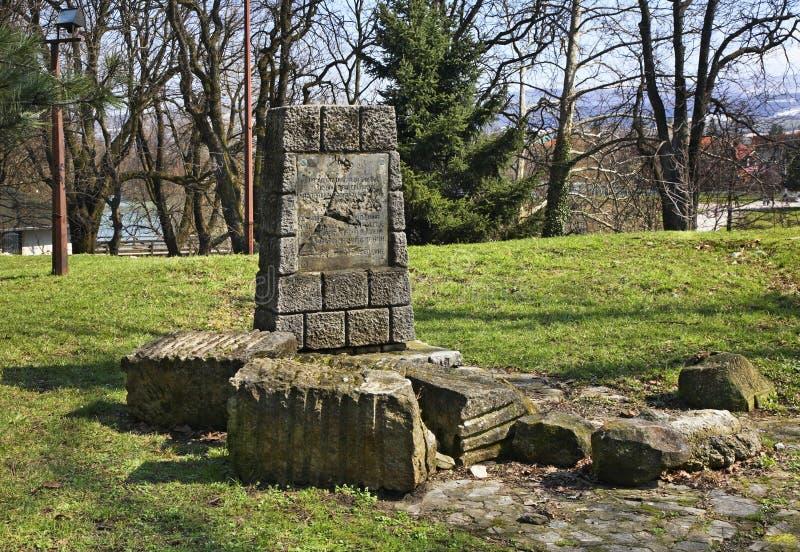 Μνημείο σκοτωμένος το 1941 σε Bihac η χορήγηση του συνδετήρα της Βοσνίας περιοχών περιοχής που χρωματίστηκε η Ερζεγοβίνη περιλαμβ στοκ εικόνα