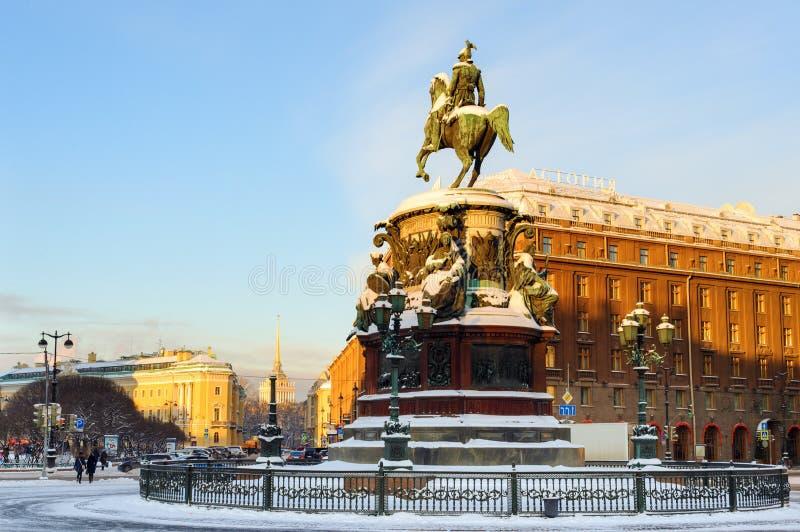 Μνημείο στον αυτοκράτορα Nicholas Ι στο ST Isaac Square στοκ εικόνα