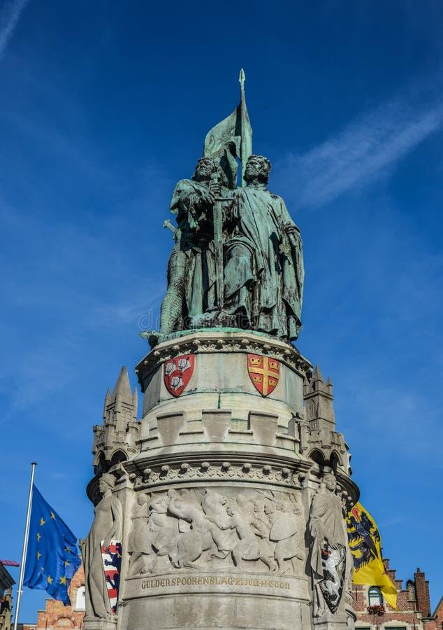 Μνημείο στο κύριο τετράγωνο στη Μπρυζ, Βέλγιο στοκ φωτογραφίες με δικαίωμα ελεύθερης χρήσης