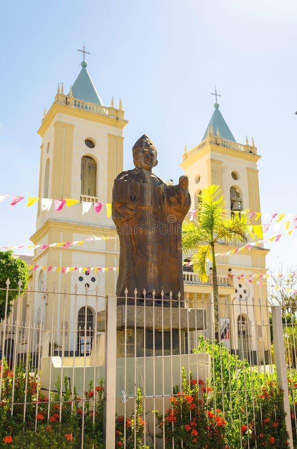 Μνημείο στο φόρο στη πλευρά DOM Joao Batista μπροστά από Cathed στοκ εικόνα
