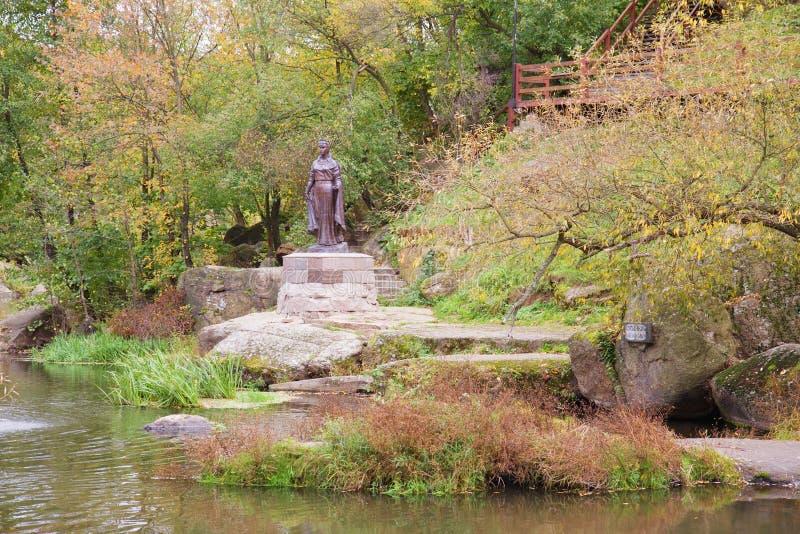 Μνημείο της διάσημης δούκισσας Όλγα σε Korosten, Ουκρανία στοκ φωτογραφία