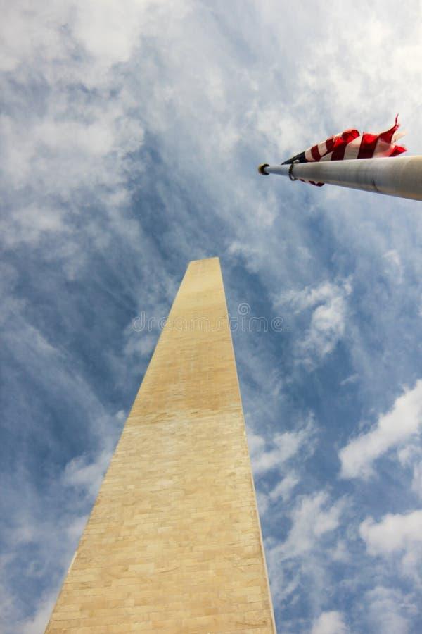 Μνημείο της Ουάσιγκτον και αμερικανικές σημαίες, Ουάσιγκτον, Περιοχή της Κολούμπια ΗΠΑ στοκ εικόνα με δικαίωμα ελεύθερης χρήσης