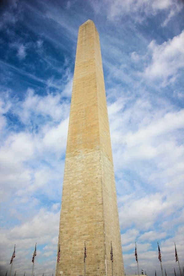 Μνημείο της Ουάσιγκτον και αμερικανικές σημαίες, Ουάσιγκτον, Περιοχή της Κολούμπια ΗΠΑ στοκ εικόνα