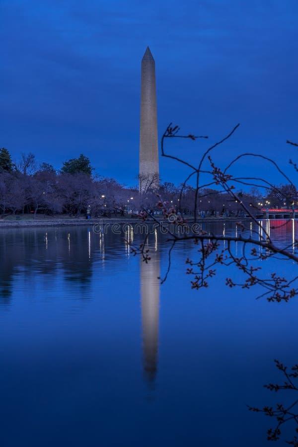 Μνημείο της Ουάσιγκτον στο λυκόφως στοκ εικόνες