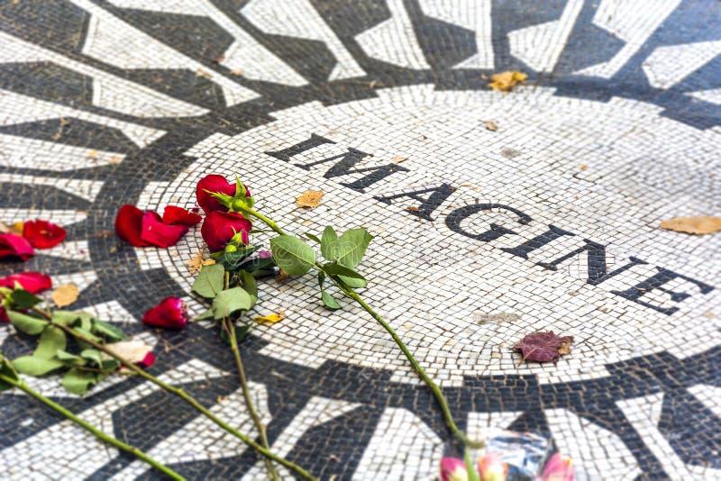 Μνημείο τομέων φραουλών στο Central Park στοκ φωτογραφίες