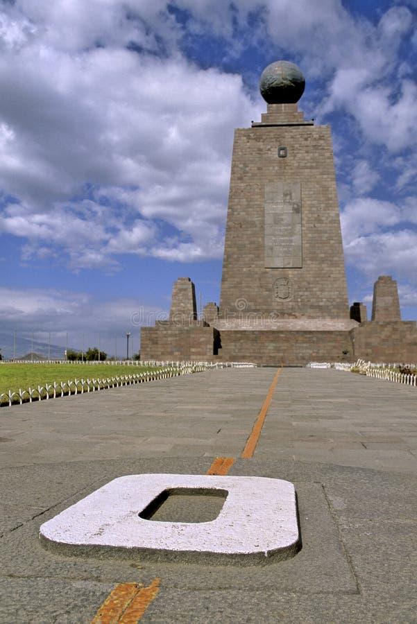 μνημείο του Ισημερινού στοκ εικόνες