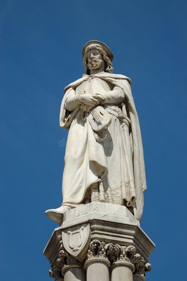Download μνημείο του Μπολτζάνο Walther Στοκ Εικόνα - εικόνα από βακκινίων, ρομαντικός: 17056833