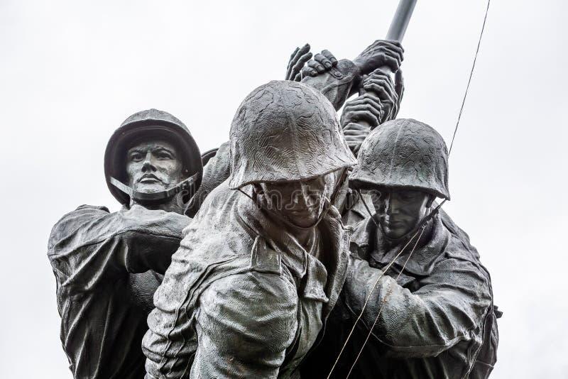 Μνημείο του Ναυτικού Corp War των Ηνωμένων Πολιτειών που απεικονίζει την τοποθέτηση σημαίας στο Iwo Jima στον Β' Παγκόσμιο Πόλεμο στοκ εικόνα