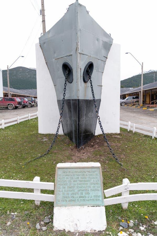 Μνημείο του τόξου του σκάφους Yelcho, Puerto Ουίλιαμς, Χιλή στοκ εικόνα με δικαίωμα ελεύθερης χρήσης