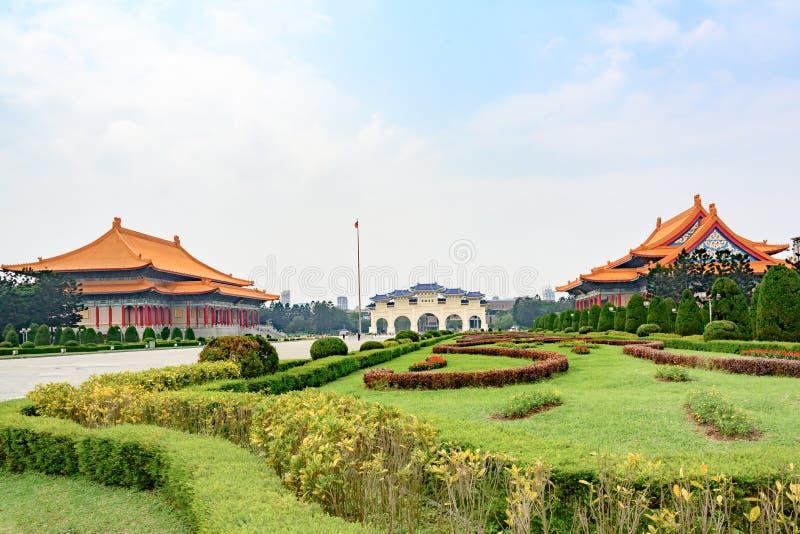 Μνημείο του Kai -Kai-shek Chiang, τετράγωνο ελευθερίας με το εθνικό θέατρο και εθνική αίθουσα συναυλιών, Ταϊπέι, Δημοκρατία της Κ στοκ φωτογραφίες
