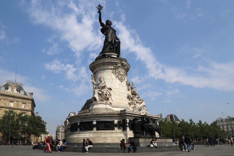 Μνημείο Place de Λα Republique στο Παρίσι στοκ φωτογραφίες με δικαίωμα ελεύθερης χρήσης